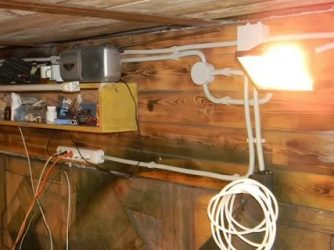Как провести электричество в гараж?
