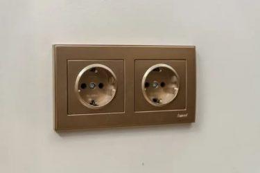 Как покрасить розетки и выключатели?