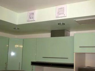 Как скрыть воздуховод от вытяжки на кухне?