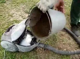 Пылесос засосал воду что делать?